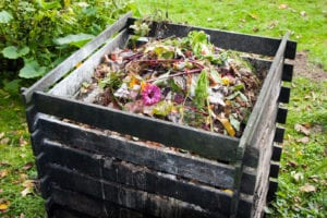 how to keep a compost bin clean