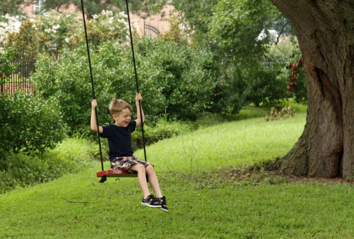 how to hang a tire swing with rope